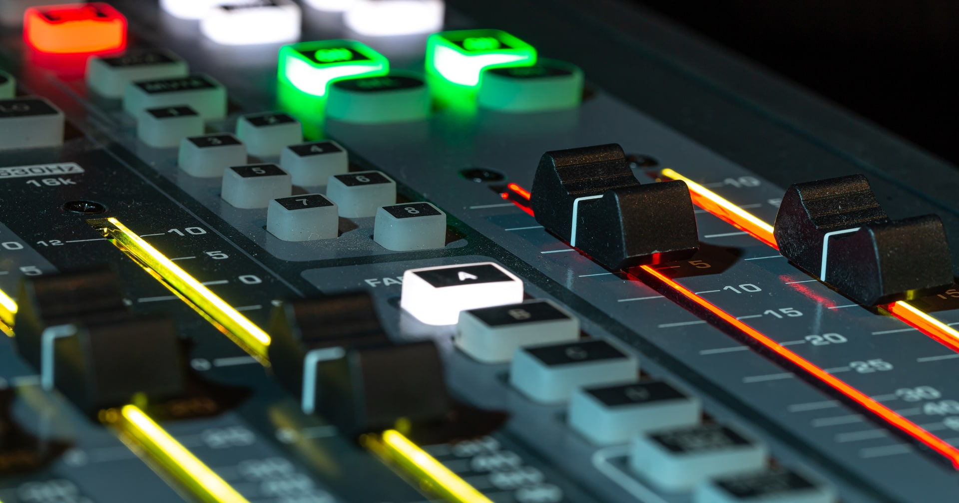 Fondo-radio2-min